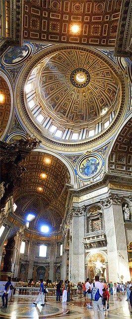 St. Peter's Basilica, Vatican City, Rome, Italy. I can't wait to go back. http://mundodeviagens.com/ - Existem muitas maneiras de ver o Mundo. O Blog Mundo de Viagens recomenda... TODAS!