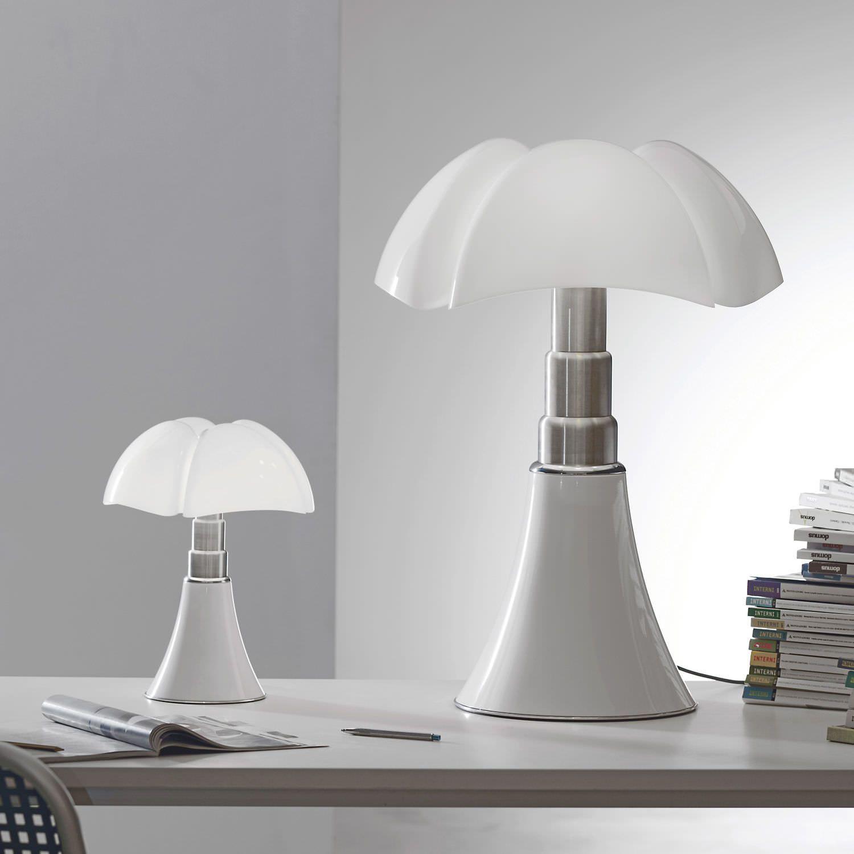 Great #Design Methacrylate Table Lamp By Gae Aulenti   MINIPIPISTRELLO Cod.620/J/