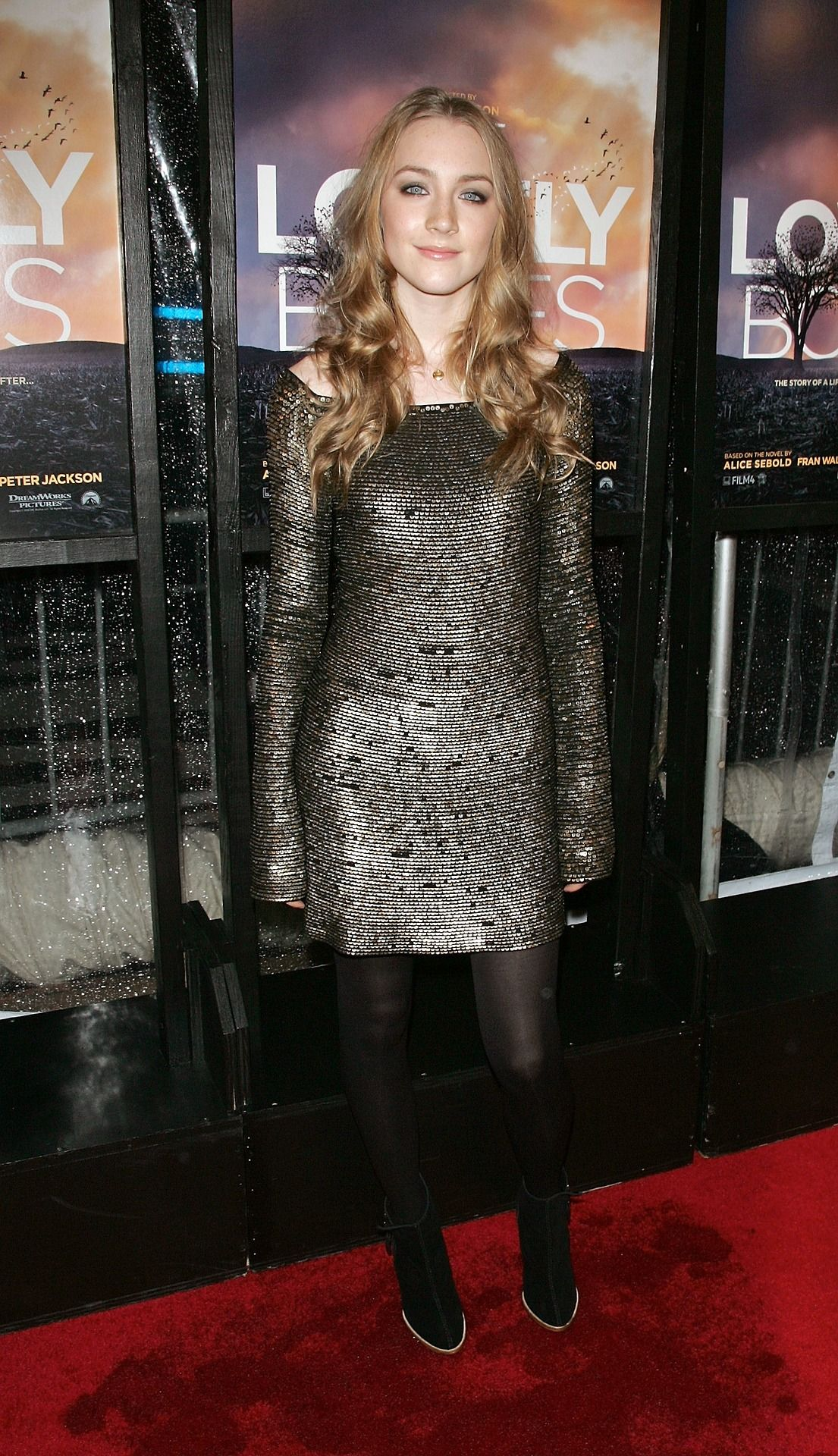 Saoirse Ronan Long sleeve gown, Young celebrities, Actresses