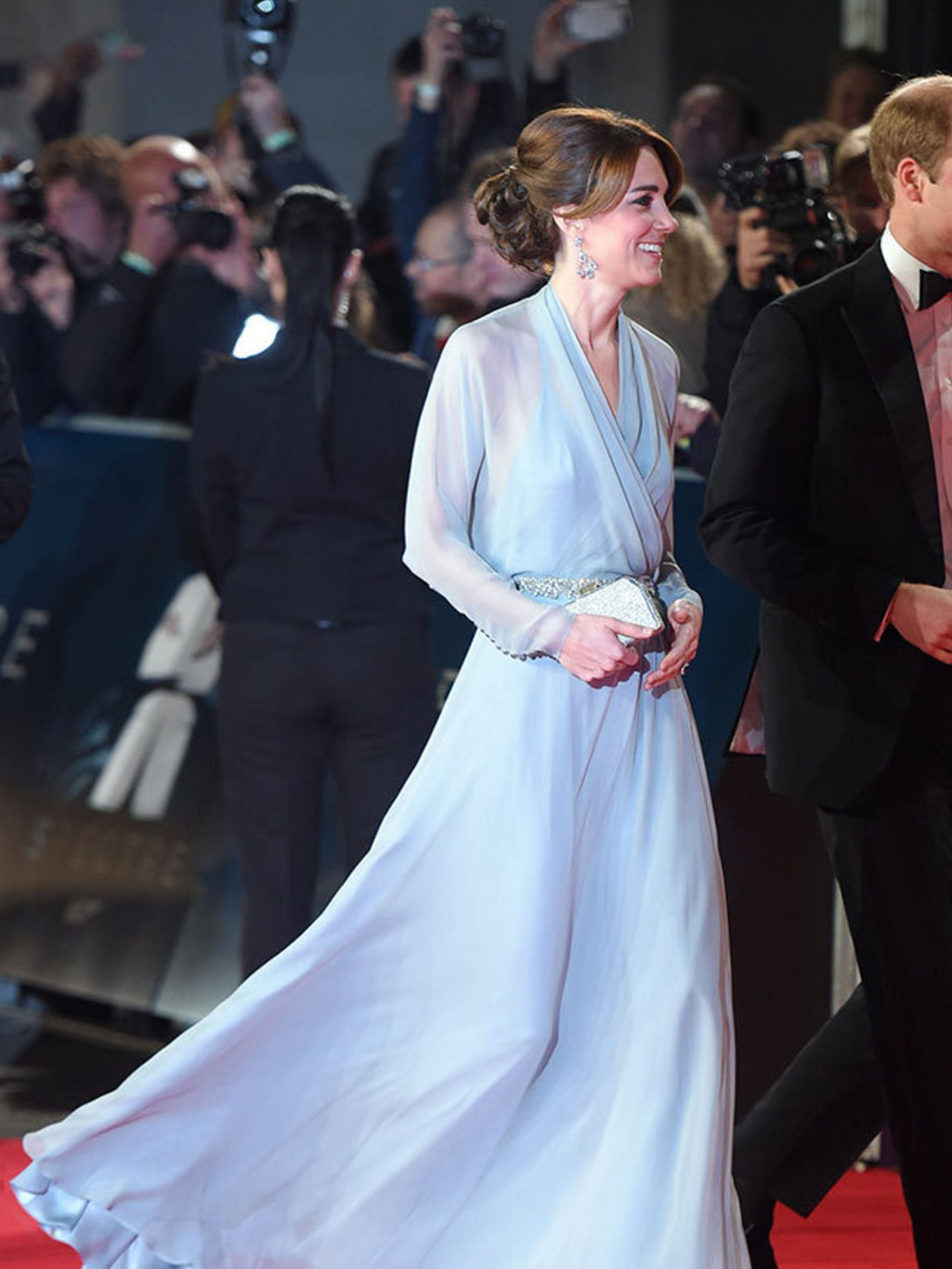 Welcome to Celebrity World: A Duchess would never wear