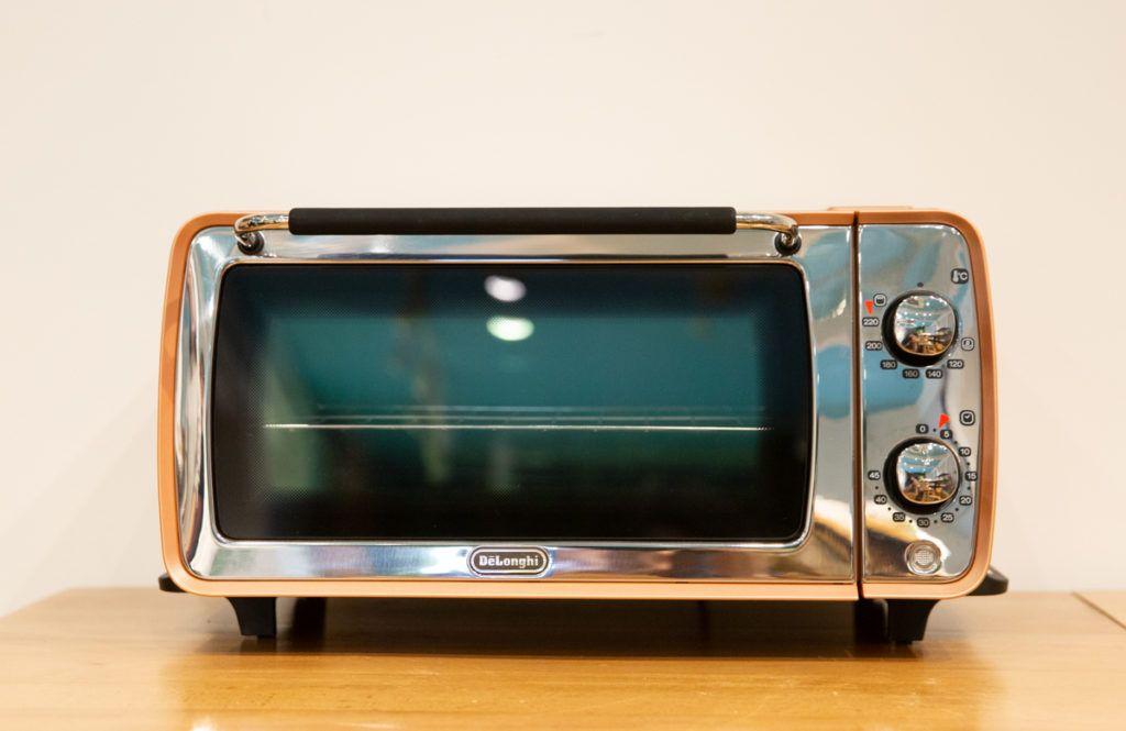 高温で焼き上げた軽い食感 昔ながらのサクサク感重視なら 2020 デロンギ トースター デロンギ 家電