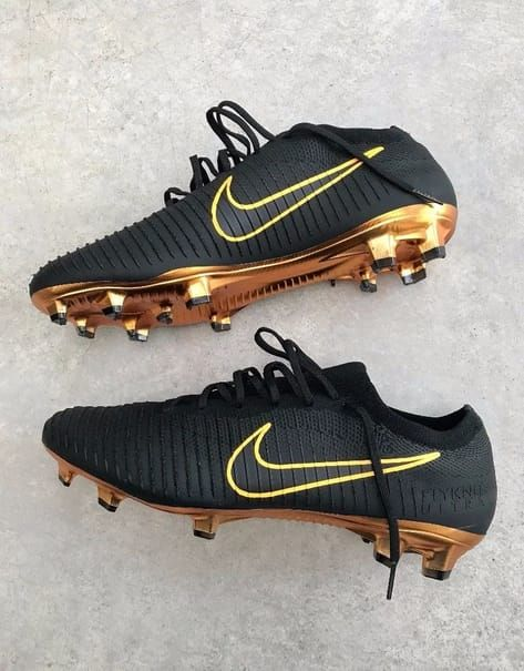 Black And Gold Beautiful Nike Superflies Ronaldo Should Be Wearing This Nike Football Boots Girls Soccer Cleats Best Soccer Shoes