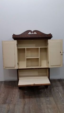 Meuble Armoire Pharmacie Avec Miroir En Bois Antique Art Objets A Collectionner Thetford Mines Kijiji Kijiji Entertainment Unit Changing Table