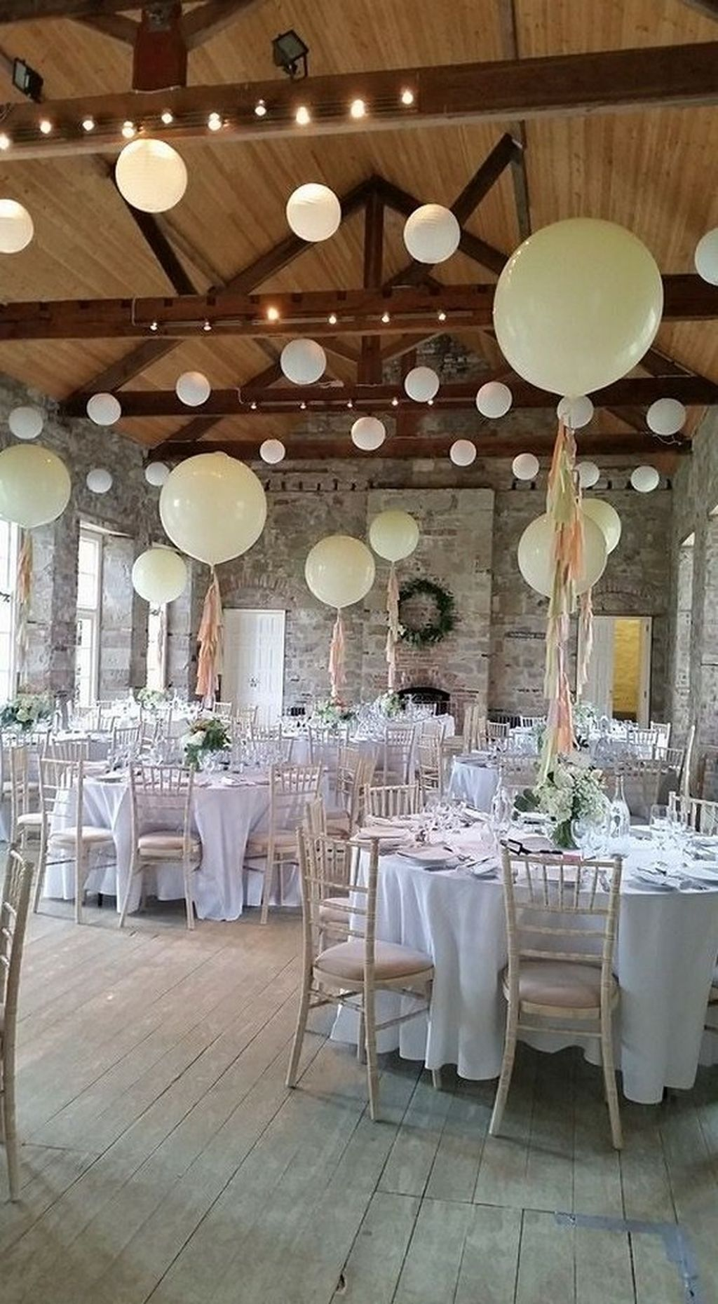 80 simple and beautiful balloon wedding centerpieces decoration cool 80 simple and beautiful balloon wedding centerpieces decoration ideas httplovellywedding junglespirit Gallery