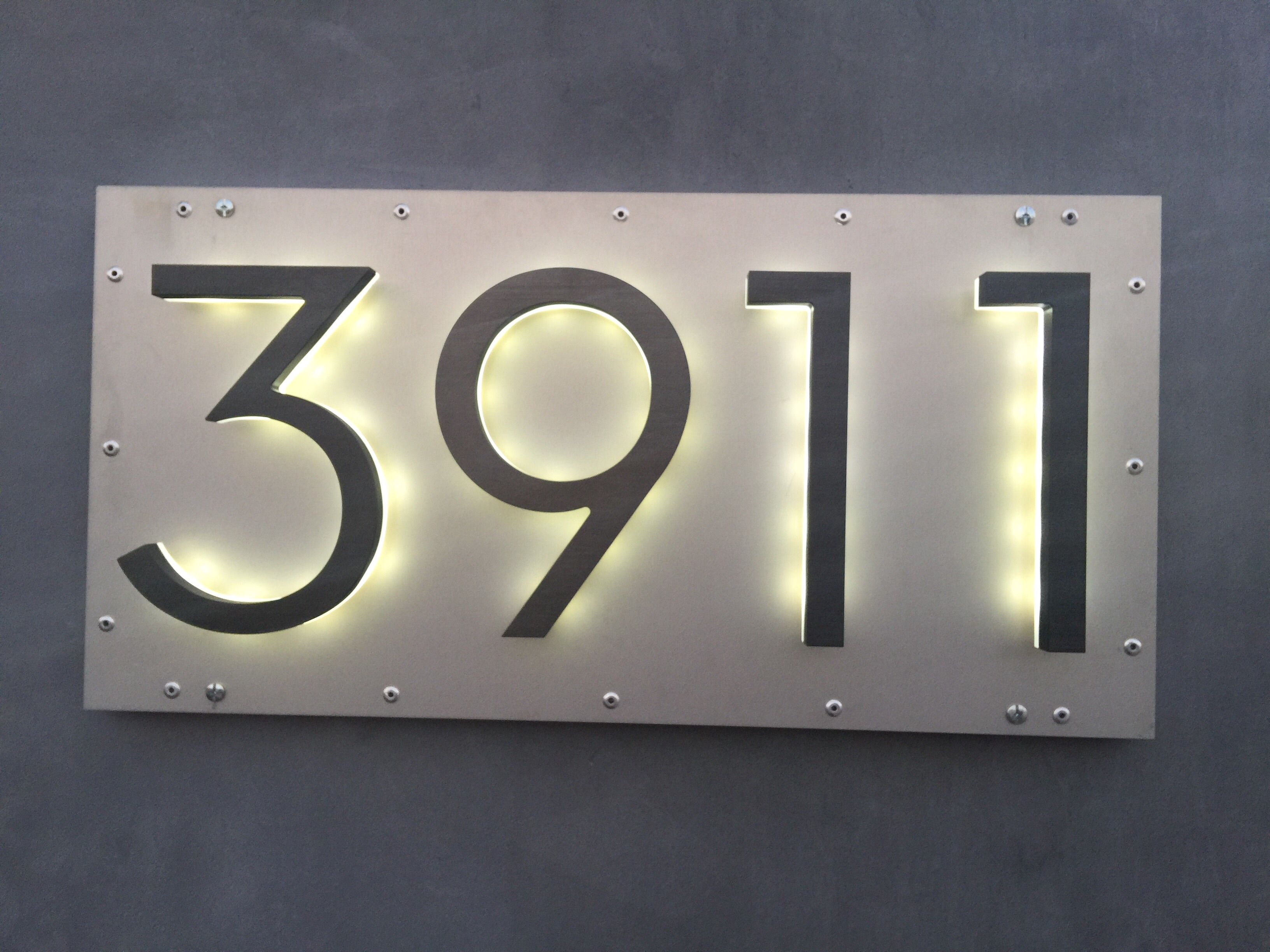 Led 8 modern bronze backlit address numbers home decor for Modern house number plaques