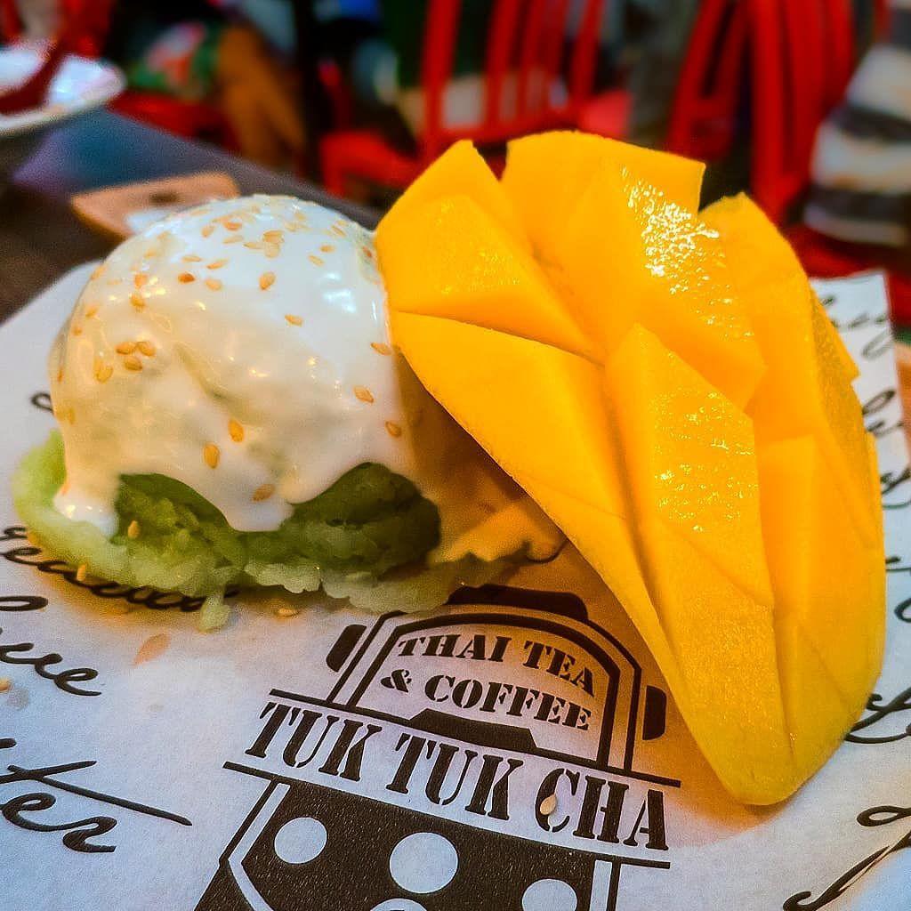 Pandan flavoured sticky rice mango at Tuk Tuk Cha Love Mee Suntec City    #sgeats #thaifoodsg #tuktukcha #sunteccity #stickyricemango #ordinarypatrons