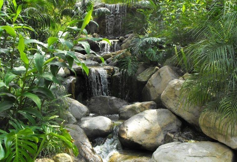 Cascadas y cataratas en el jard n 63 ideas refrescantes for Cascadas jardin zen