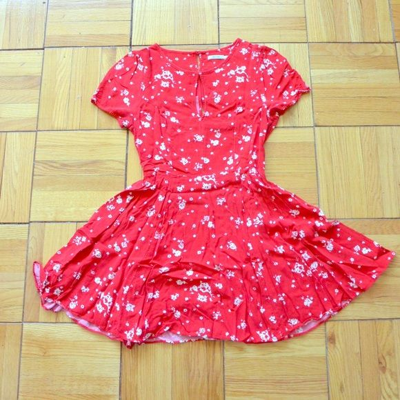 UO Floral Skater Dress Red and white floral skater dress • Cap sleeves with button detail • Keyhole opening in the front • button detailing in the back • Kimchi Blue • Gently used Kimchi Blue Dresses Mini