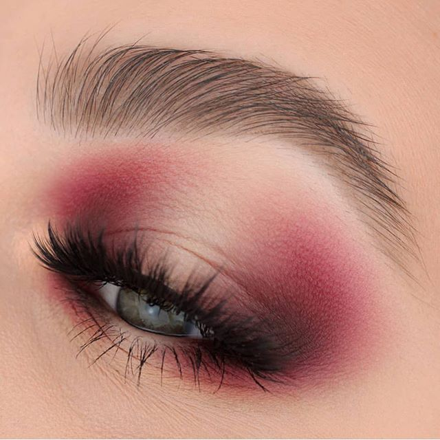 Unique halo eye look