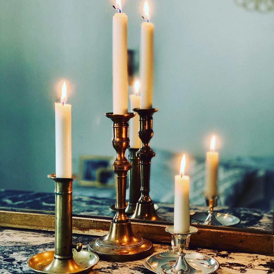 29 Mentions J Aime 2 Commentaires Le Grenier D Albertine Legrenierdalbertine Sur Instagram Dans Le Grenier D Albertine Il Y A Des In 2020 Taper Candle Candles