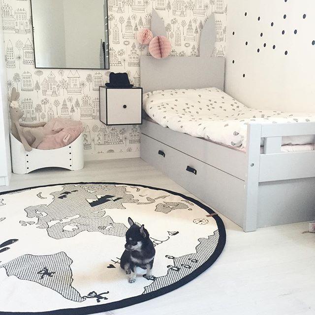 """Nya mattan """"the World"""" från Oyoy👌🏻 #boligheter #oyoy #barnrum #kidsroom #barnrumsinspo #kongessløjd #bylassen #bylassenframe #hemmahosboligheter"""