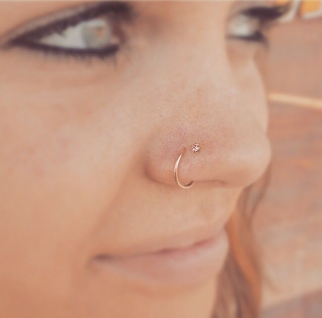 Absolutely in love with the double nose piercing #doublenosepiercing