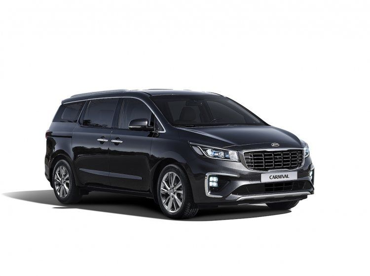 Official Kia Carnival To Be Launched At Auto Expo 2020 Next Month In 2020 Kia Kia Motors Mini Van