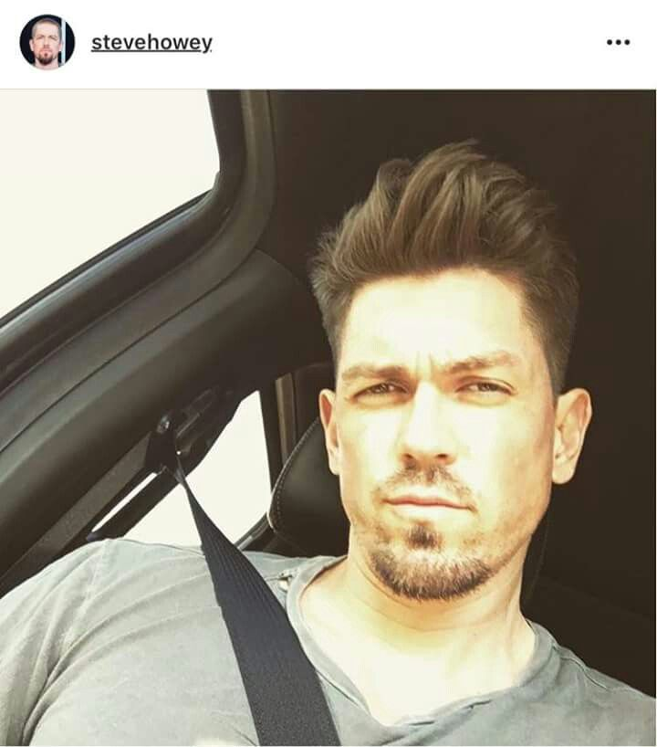 Pin By Kewe Love On Steve Howey Kevin Steve Howey Beautiful Men Celebrity Crush