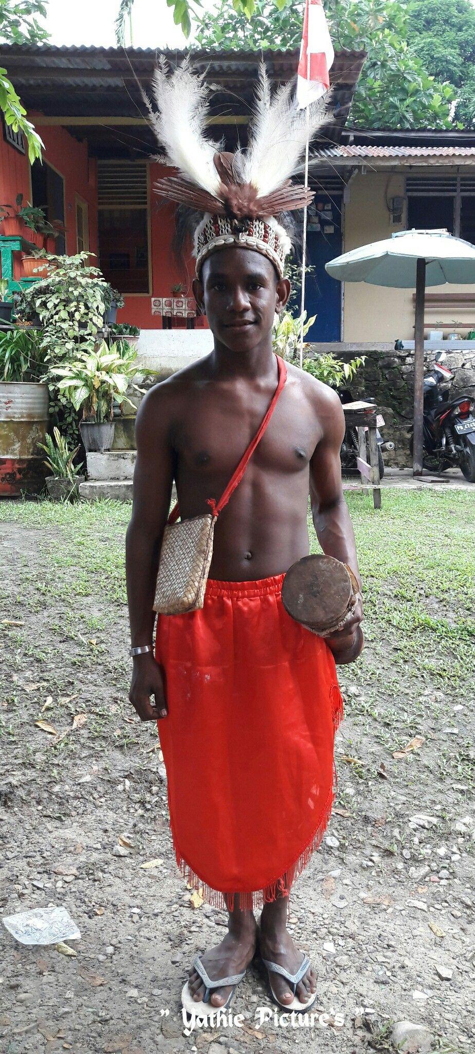 Gambar Pakaian Adat Dari Papua Barat