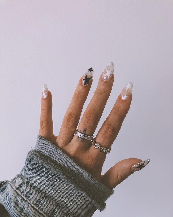 28 Atemberaubenden Hochzeit Nail Ideen Passend Zum Brautkleid Braut Nagel Hochzeits Nail Ar N In 2020 Star Nail Designs Peach Nails Perfect Nails