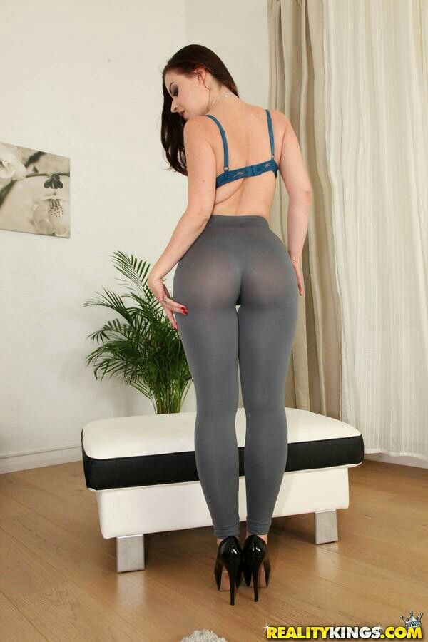 asses lined up for fucking
