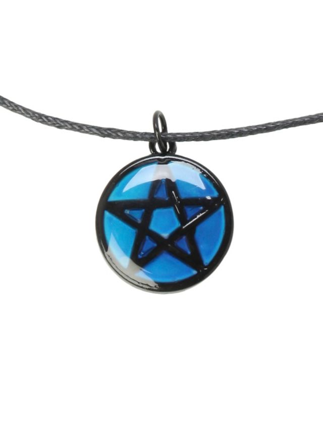 Your own energy will cause this mood pendant to change color your own energy will cause this mood pendant to change color revealing your inner emotions aloadofball Gallery