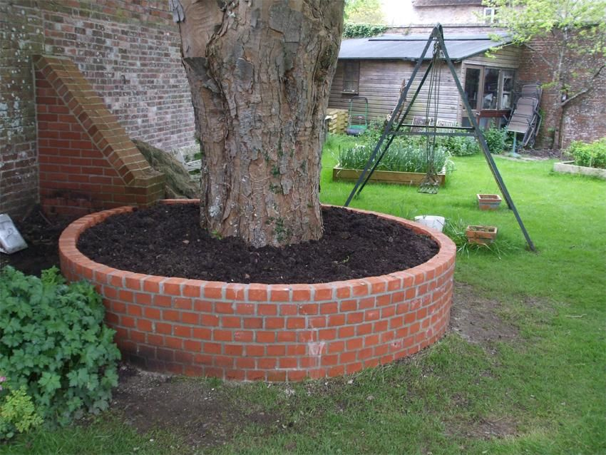 12 Amazing Ideas For Flower Beds Around Trees Landscaping Around Trees Shade Landscaping Brick Garden