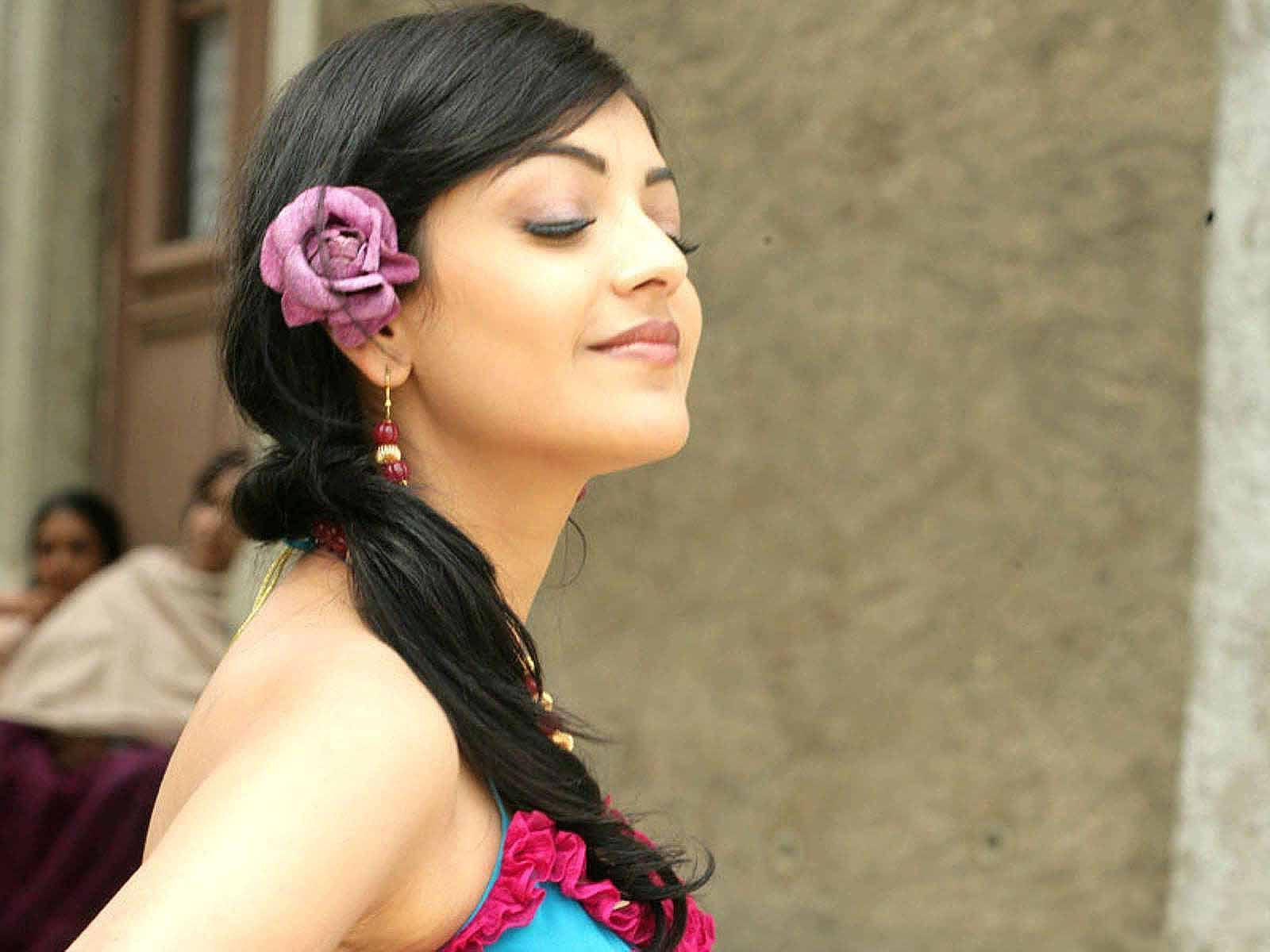 Kajal Aggarwal New Lovely Hd Pics Image Beauty Beautiful Smile