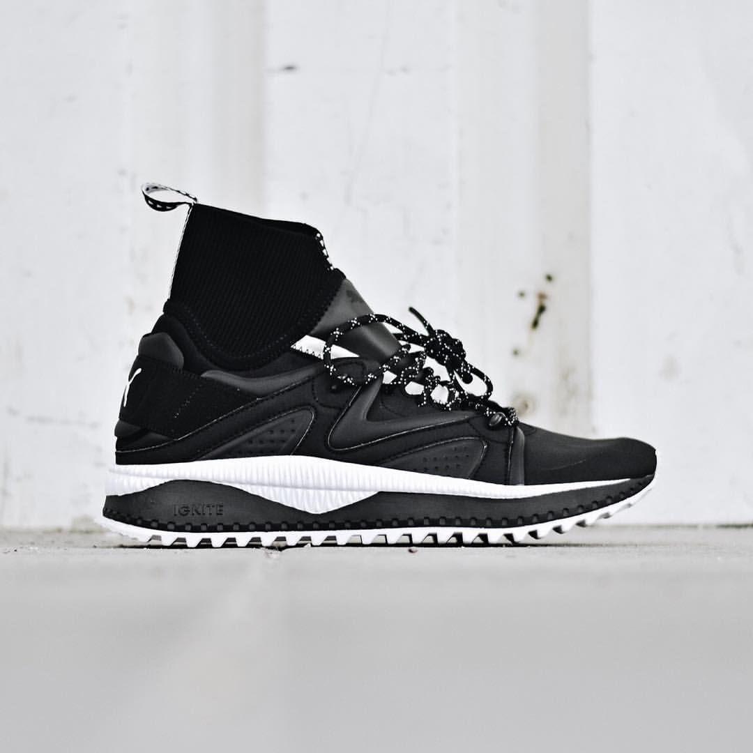 desierto Quien Marchitar  Puma Tsugi Kori | Top sneakers, Black sneaker, Sneakers