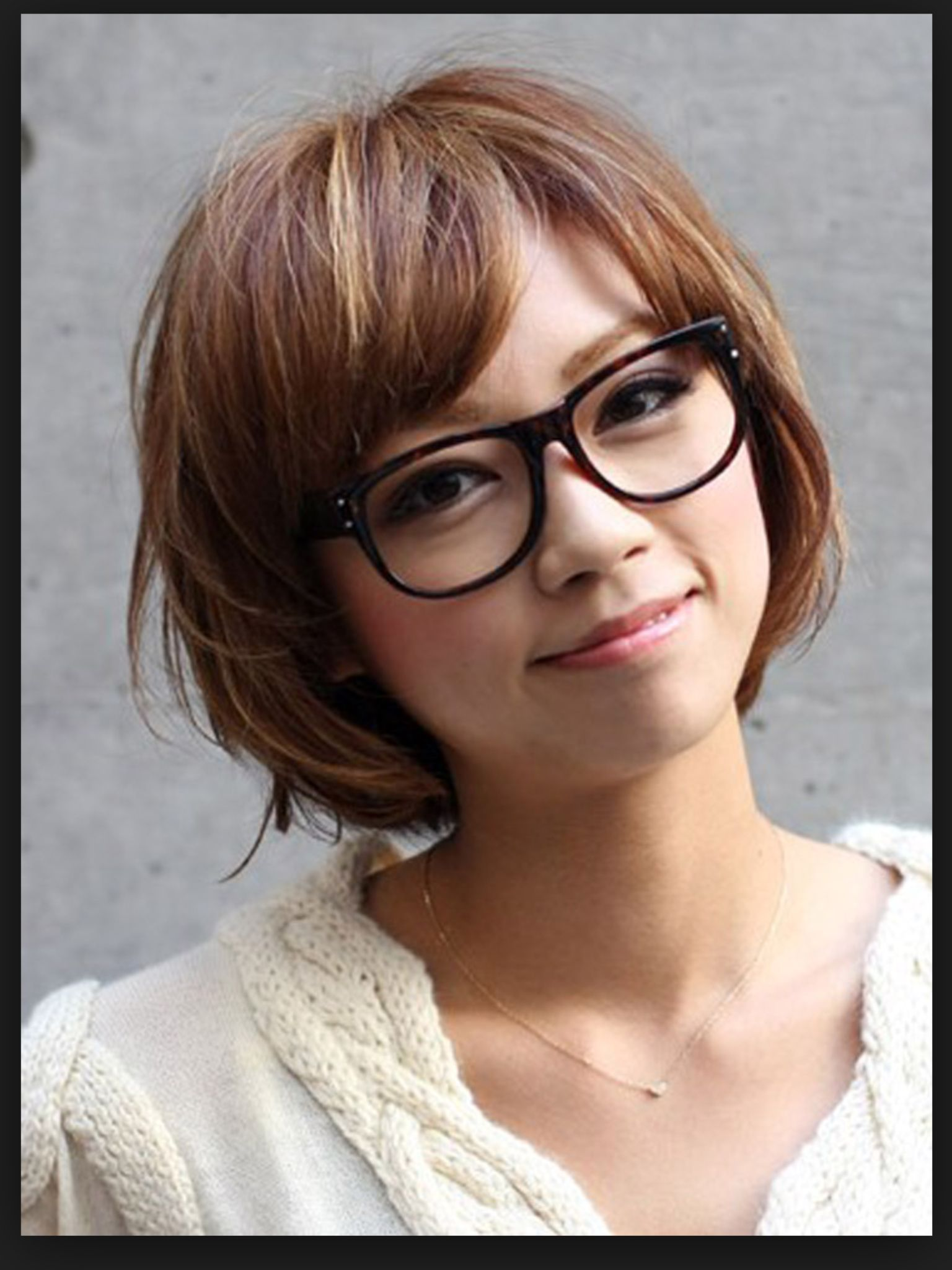 glasses with trendy bob haircuts