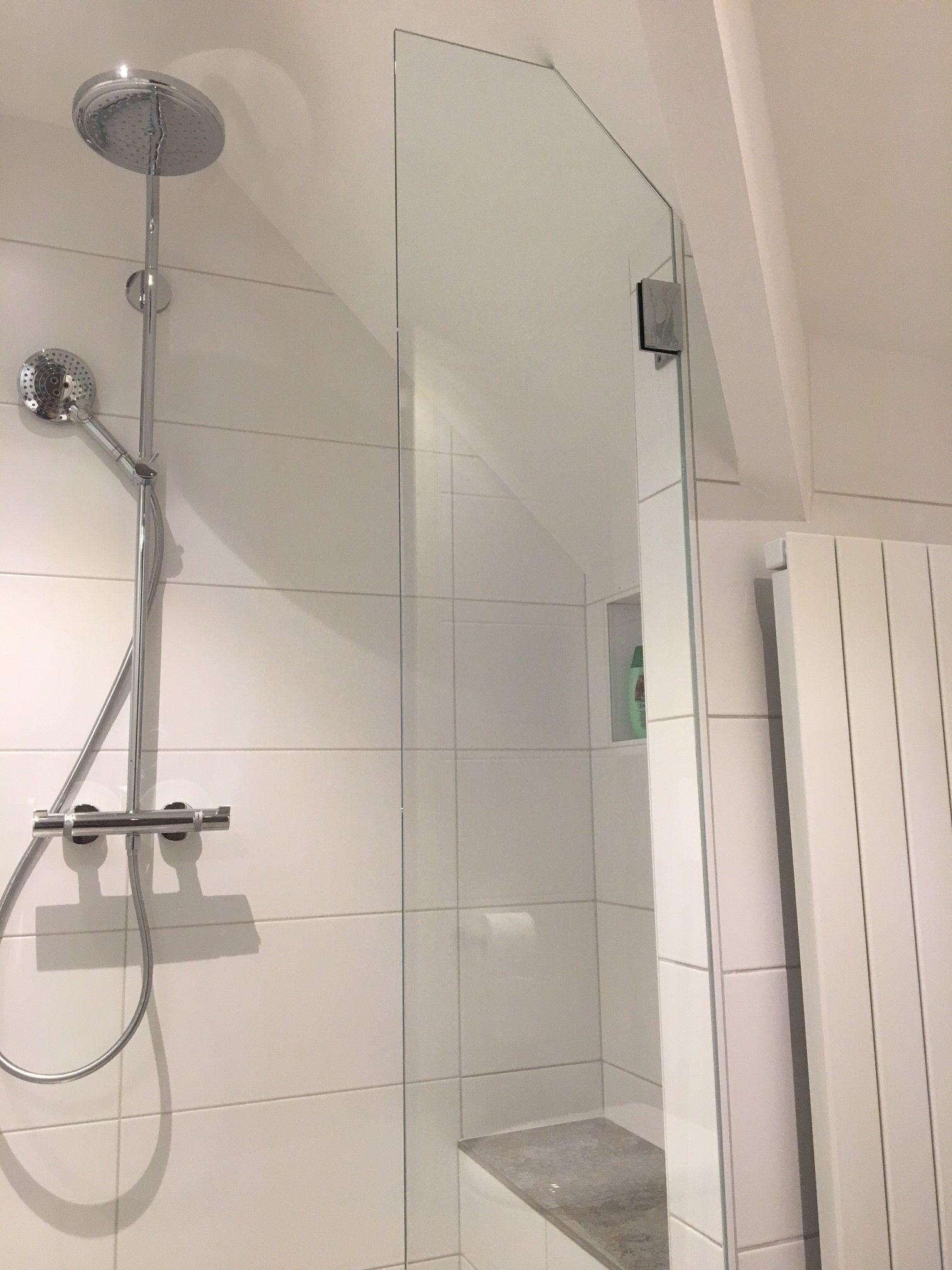 Maatwerk Douchewand Onder Schuin Dak I Balance Bathroom Dak