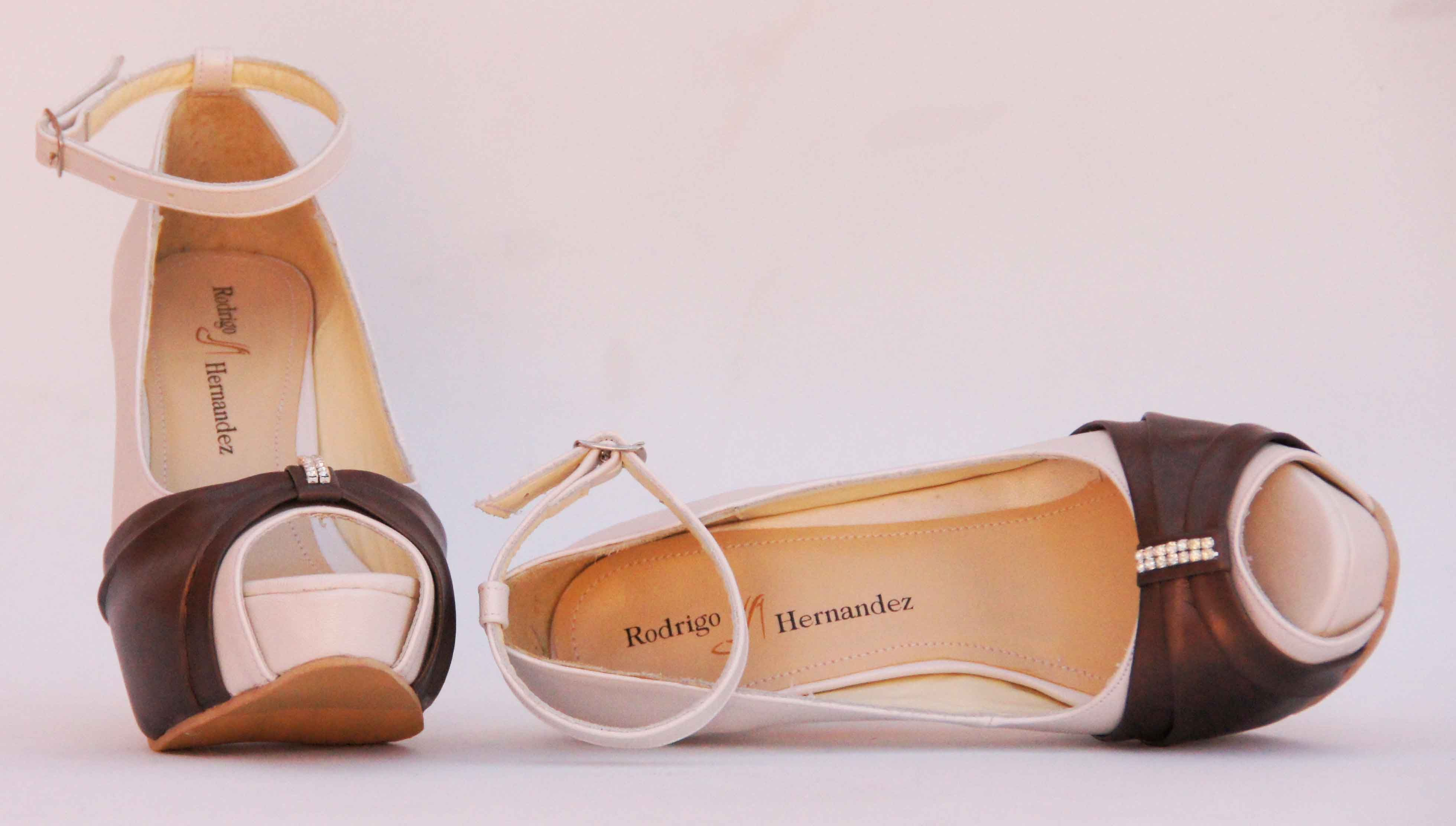 Zapatos de Novia, Rodrigo Hernández Color Blanco con Cafe Búscanos en Facebook Rodrigo Hernandez