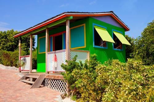 Cute little house hawaii small homes retreats tiny for Small house plans hawaii