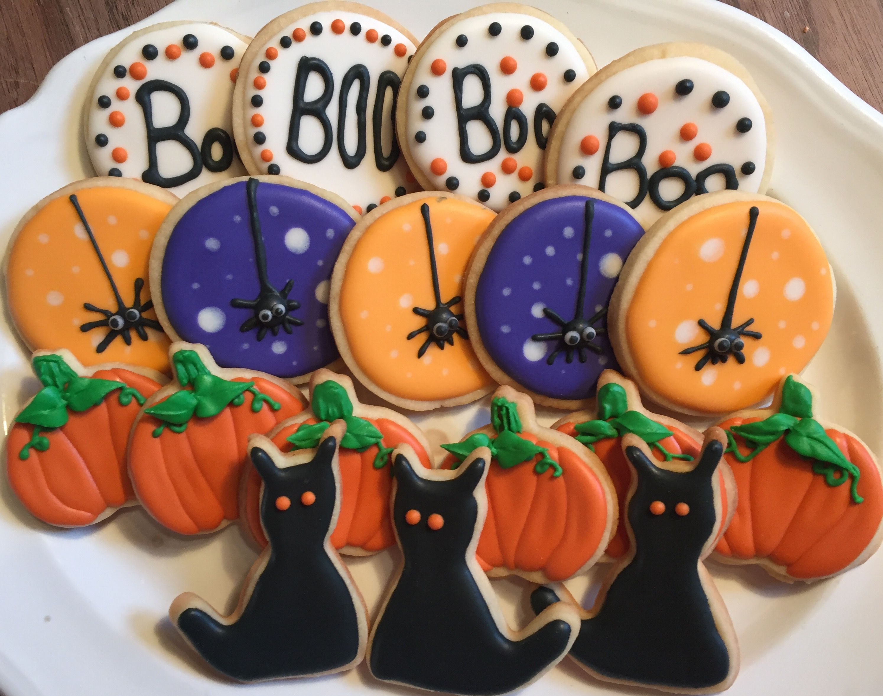 Pin by Karin Gester on Halloween Pinterest Sugar cookies - Halloween Decorated Cookies