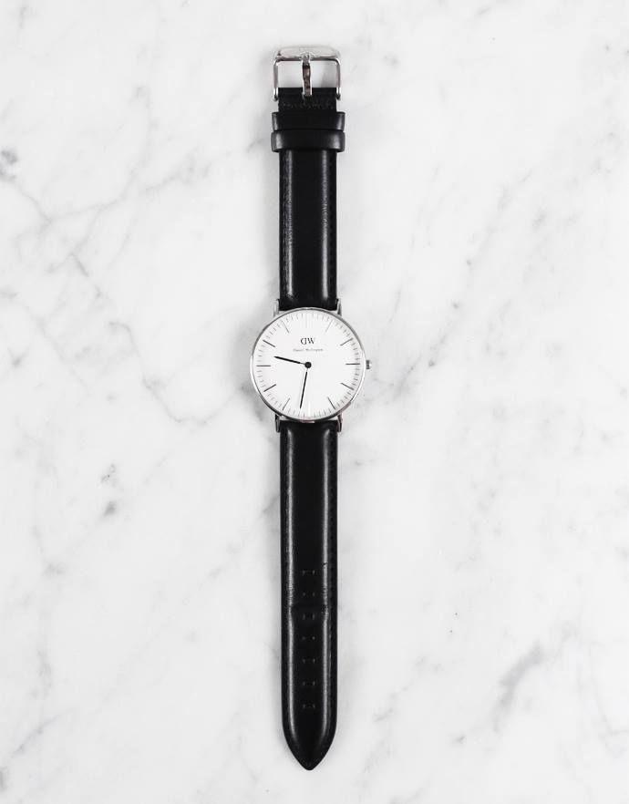 Diese schöne Armbanduhr und viele mehr, haben wir für euch zusammengestellt. Hier Auswahl entdecken: http://sturbock.me/w12