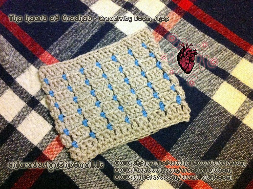 The heart of Crochet - Creativity Boom - Scaldacollo fatto a mano all'uncinetto - Neck warm, cowl handmade crochet di CreativityBoom su Etsy