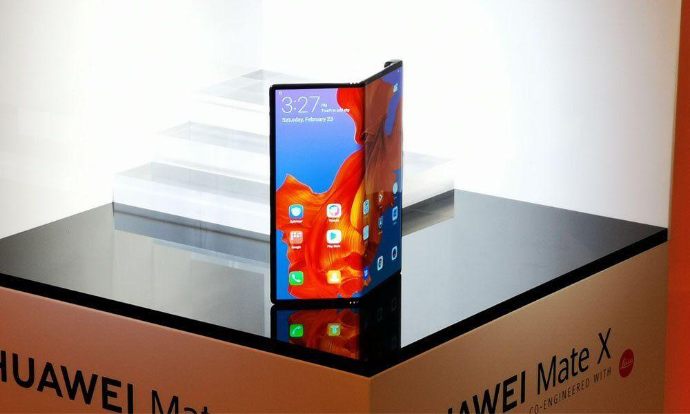 Huawei Mate X Real Deal Real Talk Of The Foldable Smartphone Huawei Huawei Mate Phone