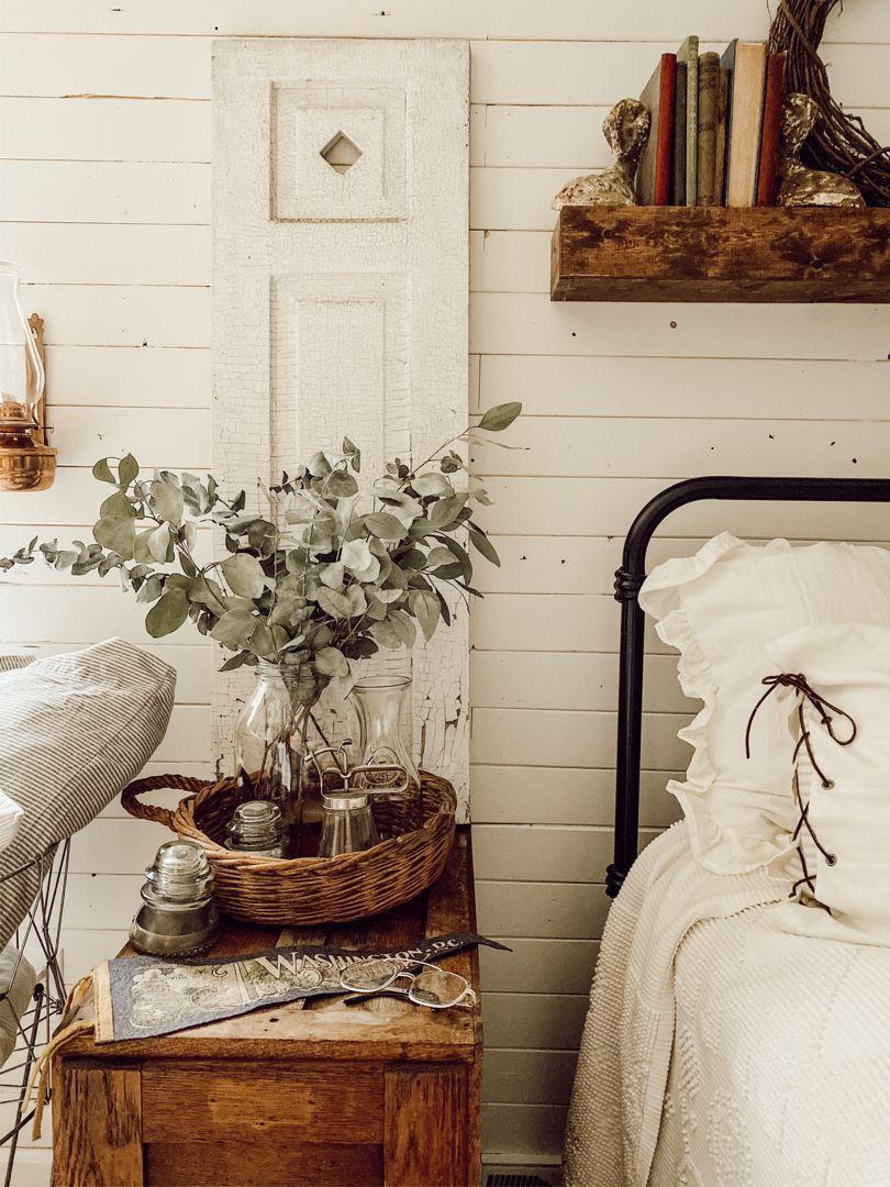 How To Decorate A Farmhouse Bedroom Farmhouse Bedroom Decor