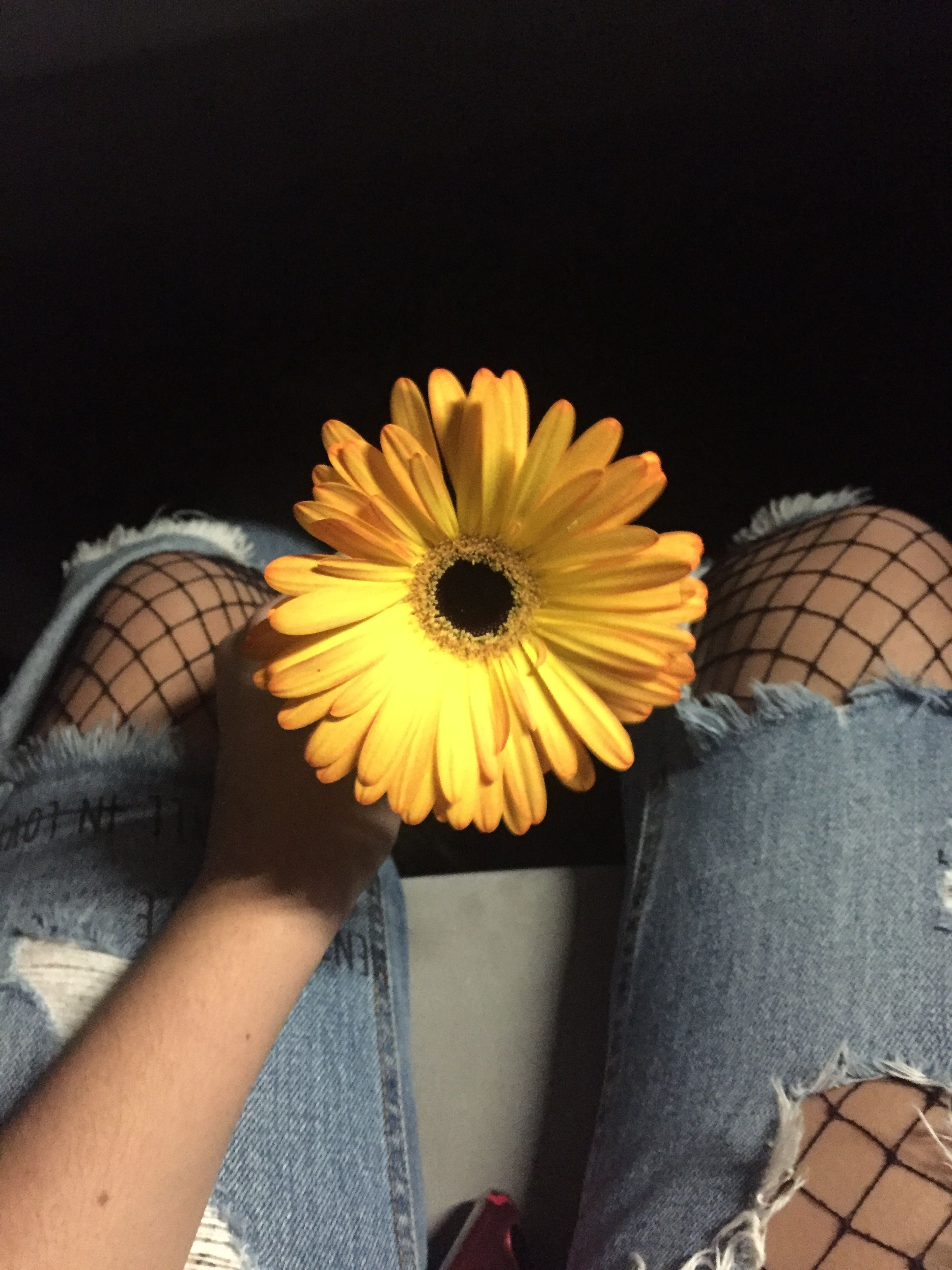Pin by Lucía🍑 on Fotos para recrear Grunge girl