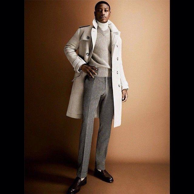 «#bespoke #tailoring #sartoria #gq #gentleman #aculdeaur #menstyle #fashionicon #streetfashion #menwithclass #dapper #classy #savilerow #tie #luxury…»