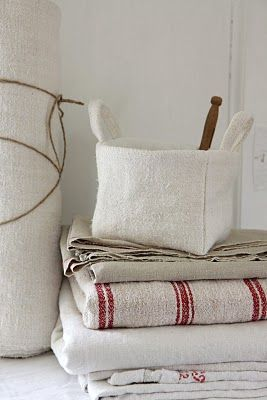 make these out of white wool - also little gift bags of white wool