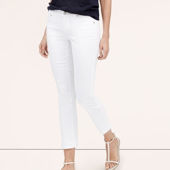 LOFT Curvy Kick Cropped Jeans NWT in package LOFT curvy kick cropped jeans in white. Size 8. 98% cotton, 2% elastane. Sold out in all sizes. Also selling in dark wash. Make an offer or bundle to save! LOFT Jeans Ankle & Cropped