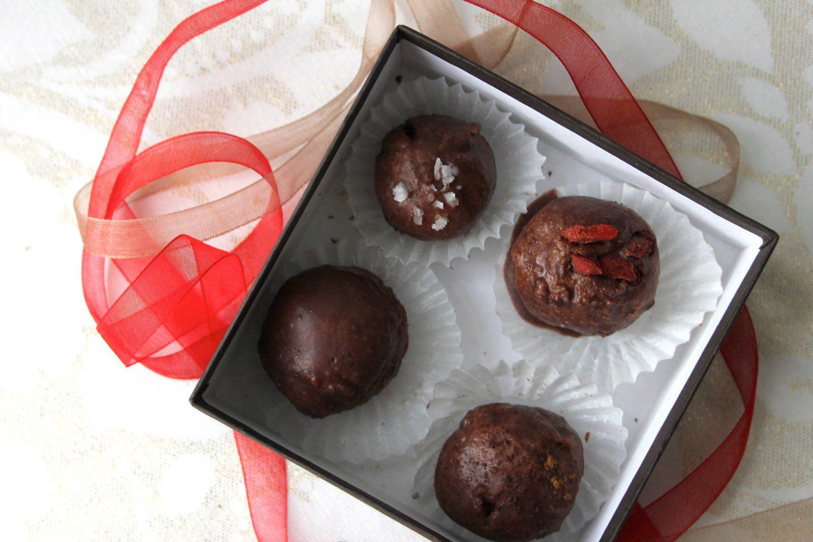 These chocolate truffles have the nutty taste of hazelnut infused within them. Best of all, it's all raw!