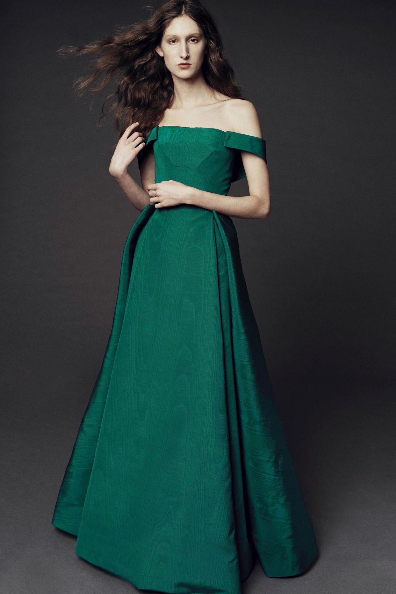 Aofclothes Green Gownladypostszac Posenwaitinggreen Dressmessages