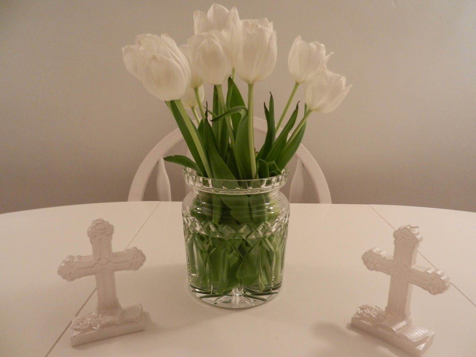 Communion table decoration ideas