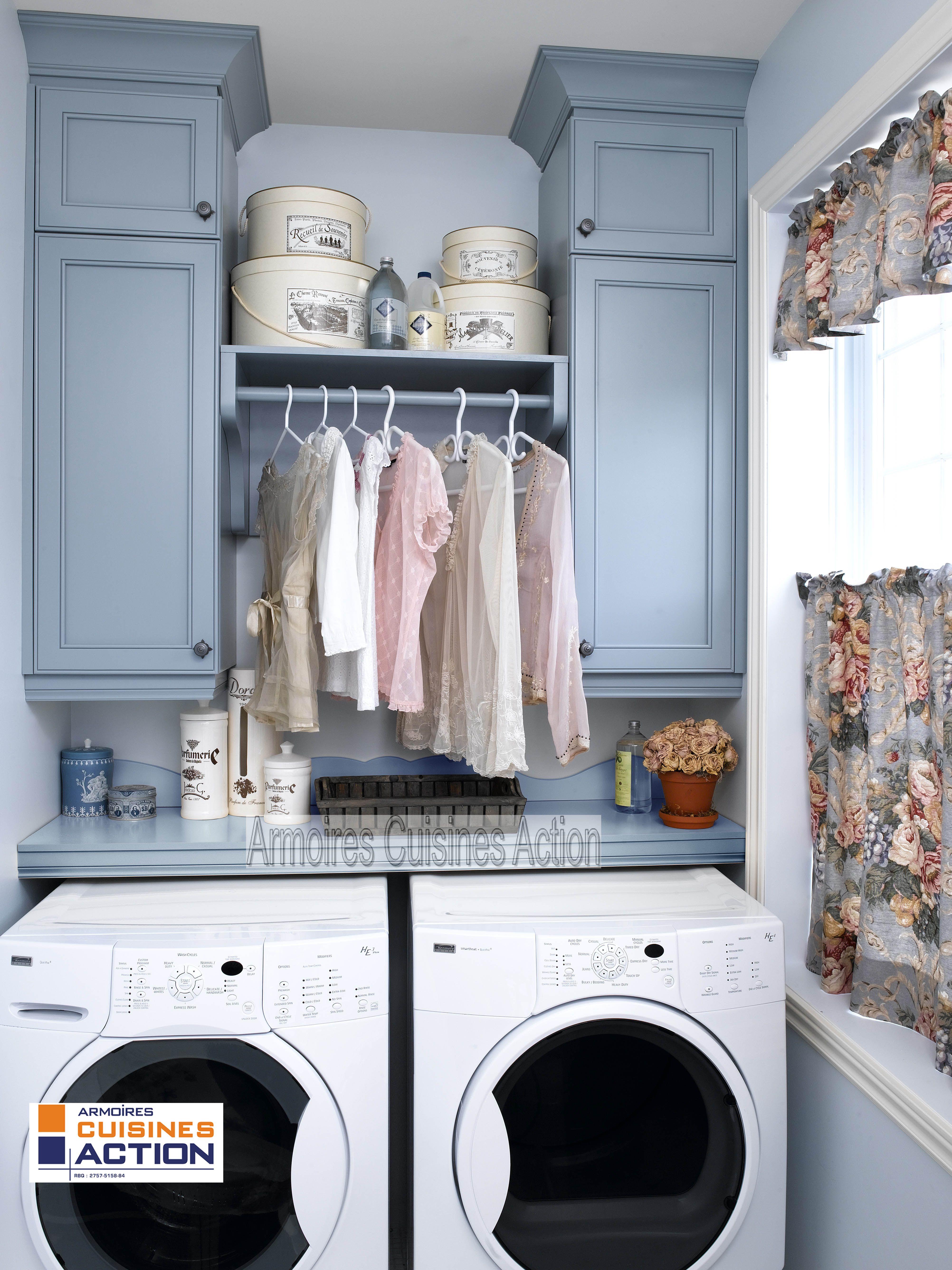 pratique des armoires pour tout ranger la p le pour faire s cher les v tements d licats. Black Bedroom Furniture Sets. Home Design Ideas