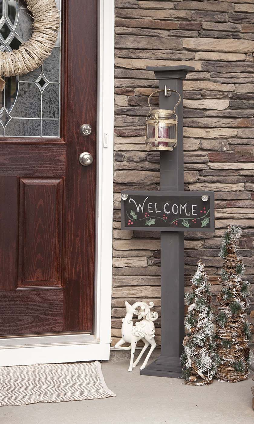 DIY Chalkboard Welcome Sign and Sign Post   Great #DIY Holiday decor and curb appeal!