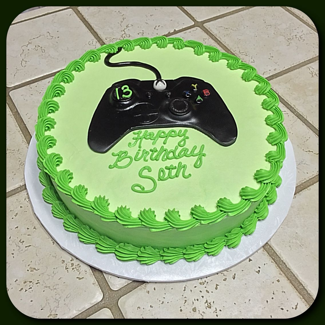 An Xbox One controller cake ) Xbox birthday party, Boy