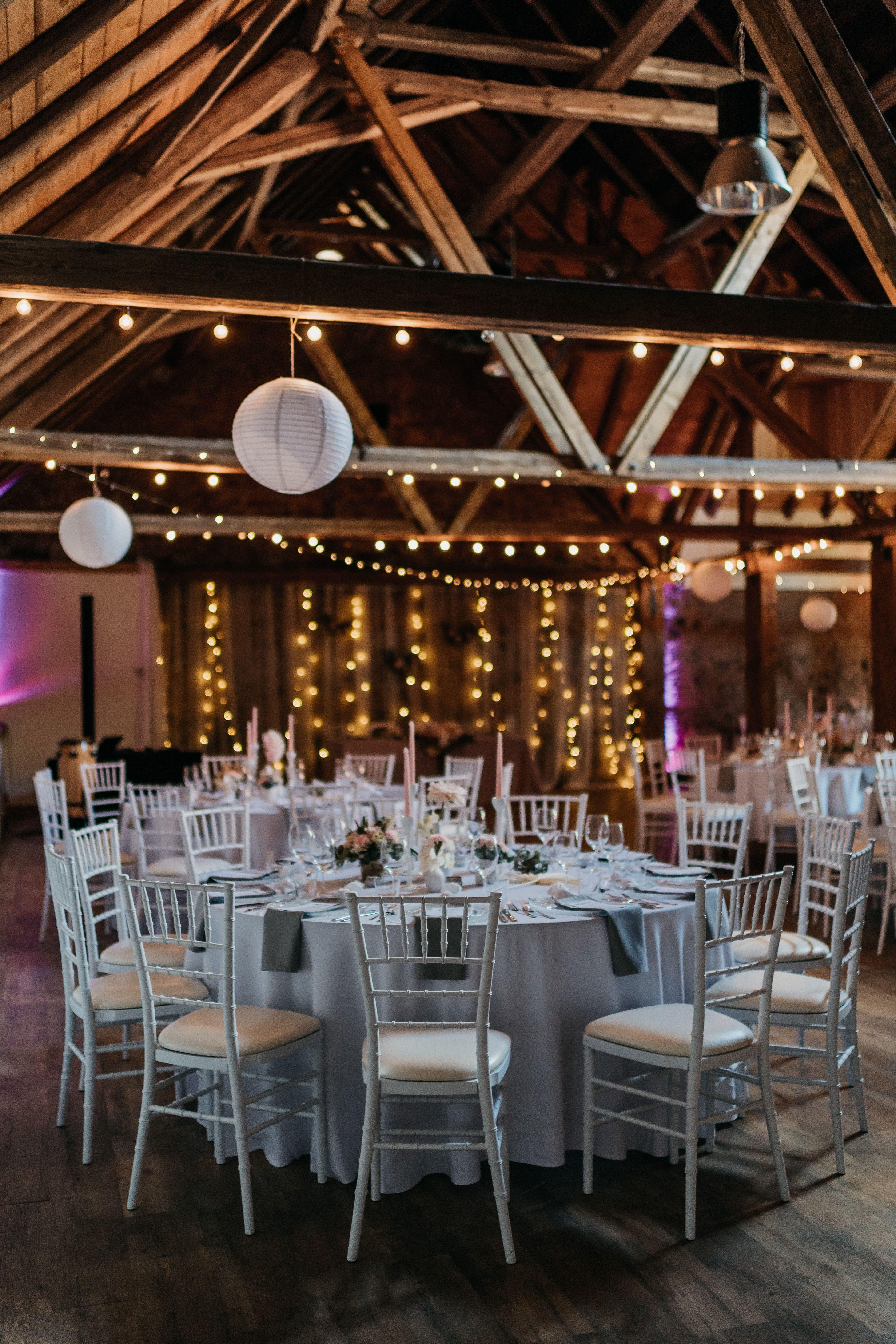 Scheunenhochzeit In Der Obermuhle Langenselbold Scheunen Hochzeit Lichterketten Hochzeit Hochzeit