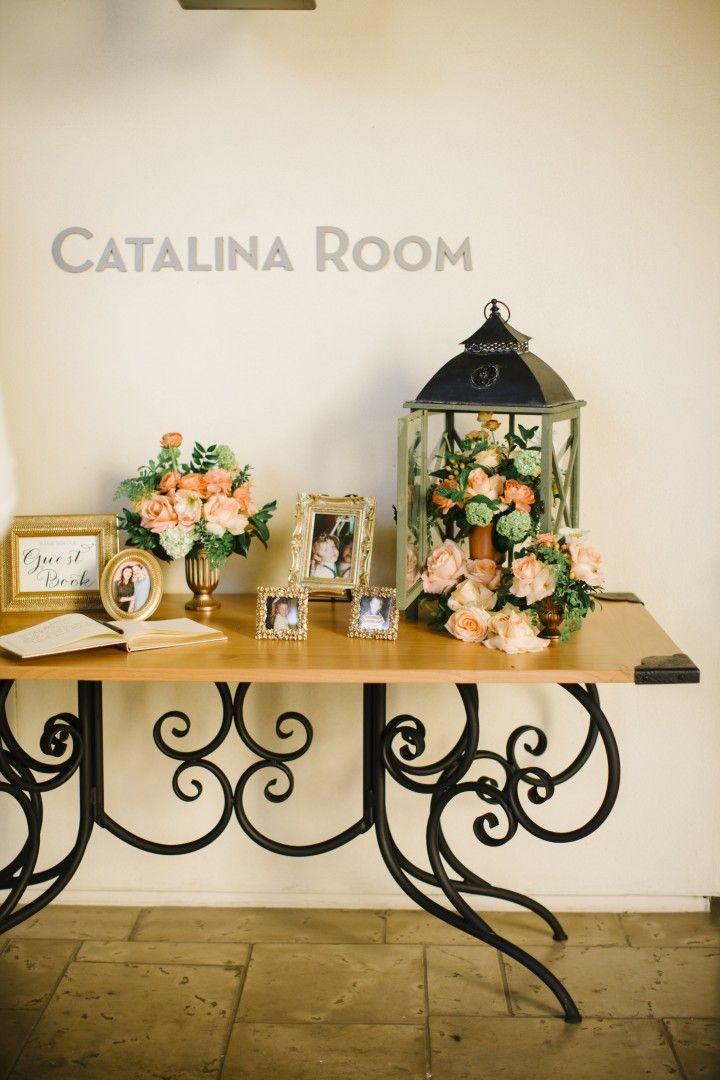 Charming And Romantic California Wedding Modwedding Wedding Table Decorations Diy Wedding Entrance Table Classic Wedding Decorations