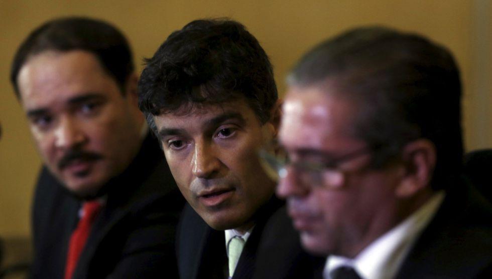 Cássio Conserino, José Carlos Blat e Fernando Henrique Araújo são os responsáveis por denunciar o ex-presidente Luiz Inácio Lula da Silva pelos crimes de falsidade ideológica e estelionato
