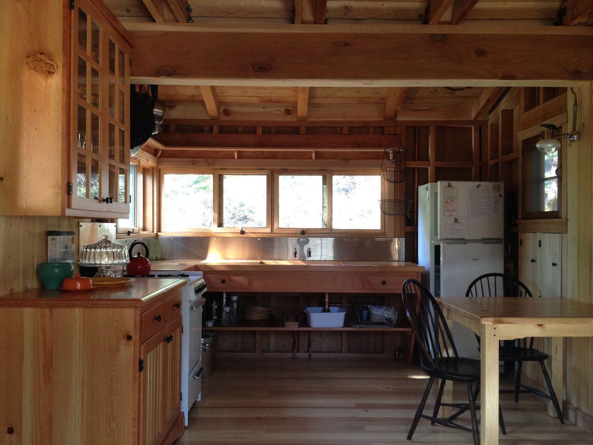 cabin kitchen - Hledat Googlem | Domeček snů (Wood House) | Pinterest