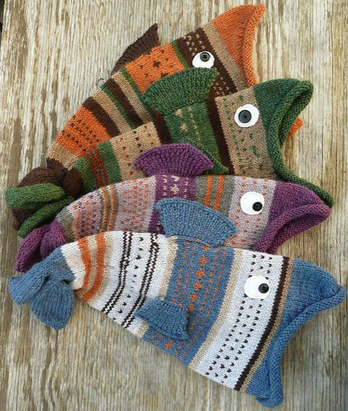 We Like Knitting Free Patterns : We like knitting living fishie hats free pattern