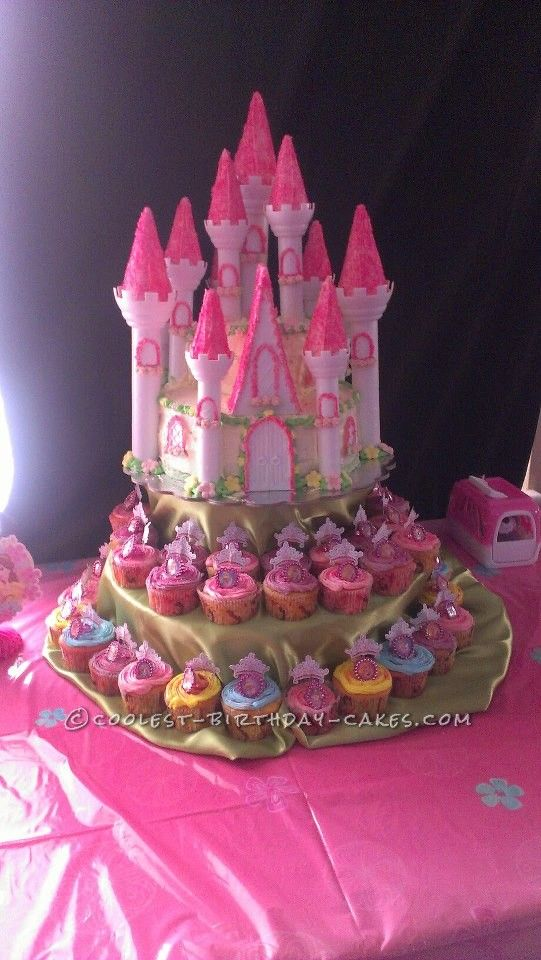 Amazing Castle Cake For A 2nd Birthday Homemade Birthday Cakes